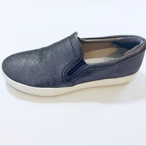 Naturalizer slip on Marianne sneakers sz 7